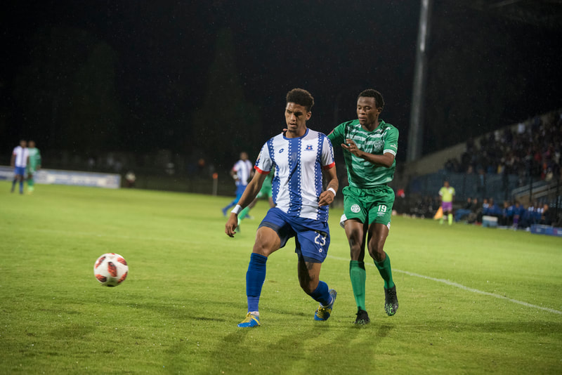 Rushing De Reuck of Maritzburg United, clearing his lines. Match between Maritzburg United and Bloemfontein Celtic at the Harry Gwala Stadium on the 5th of April 2019 © Image: BOOGS Photography / Andrew Mc Fadden