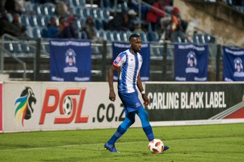 Fortune Makaringe of Maritzburg United looking for options. Match between Maritzburg United and Bloemfontein Celtic at the Harry Gwala Stadium on the 5th of April 2019 © Image: BOOGS Photography / Andrew Mc Fadden