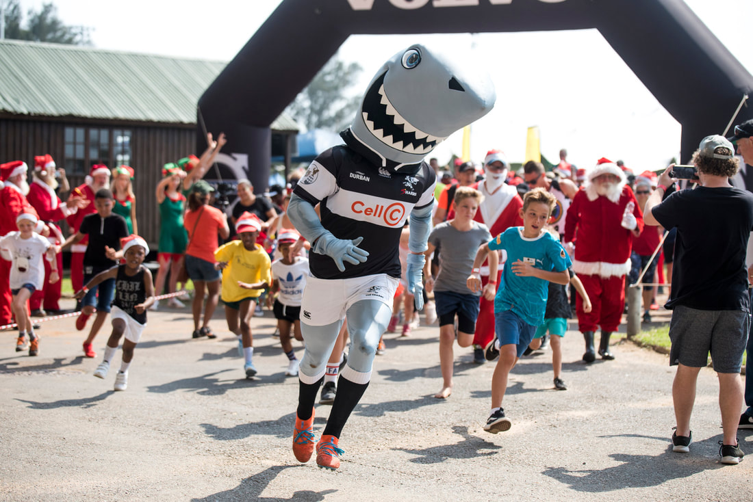 Santa Fun Run image during #FridayFun . Image: BOOGS Photography / Andrew Mc Fadden